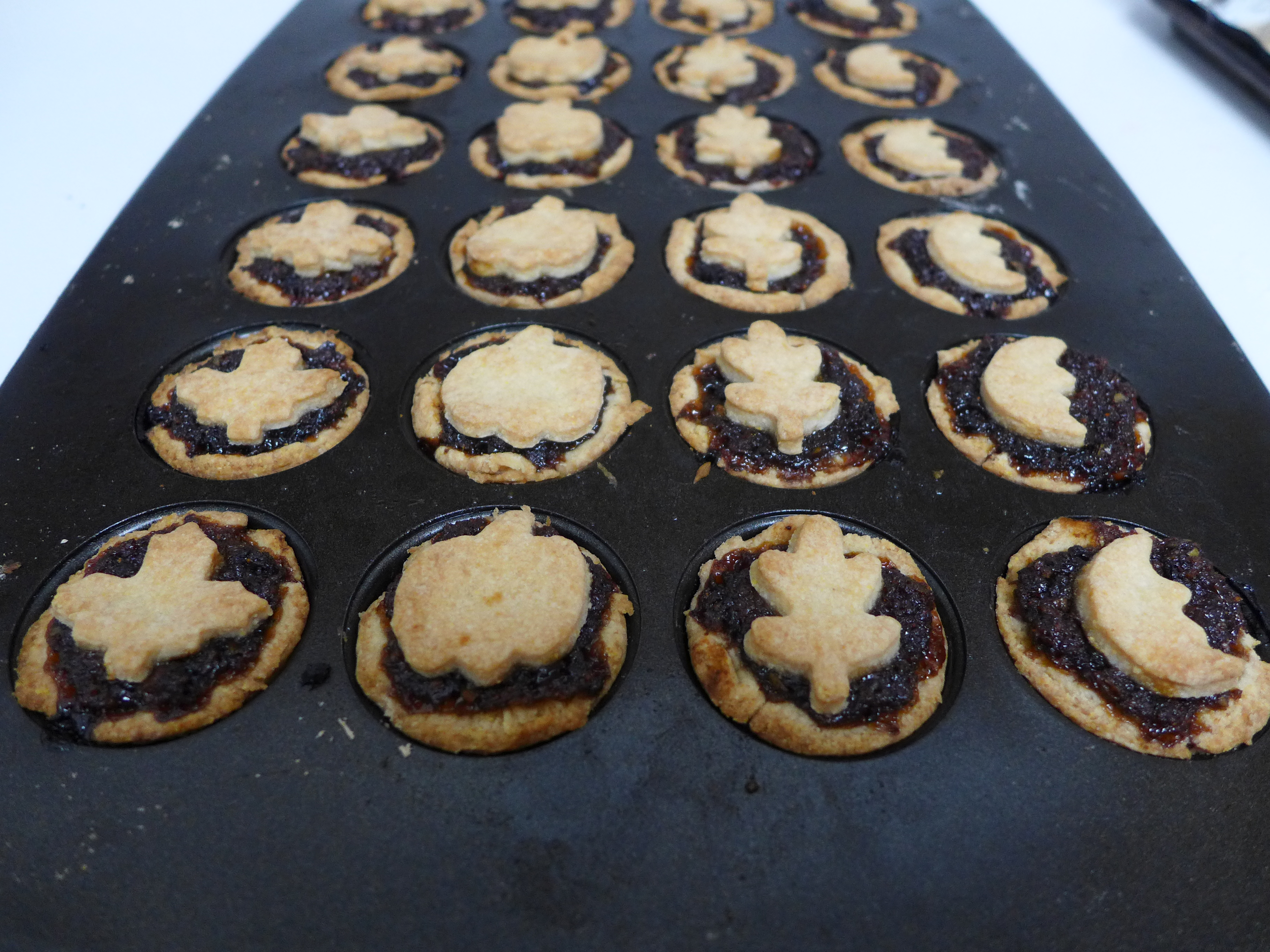 Kitchen Overlord Hobbit Week - Small Adventure Mincemeat Pies Instructions