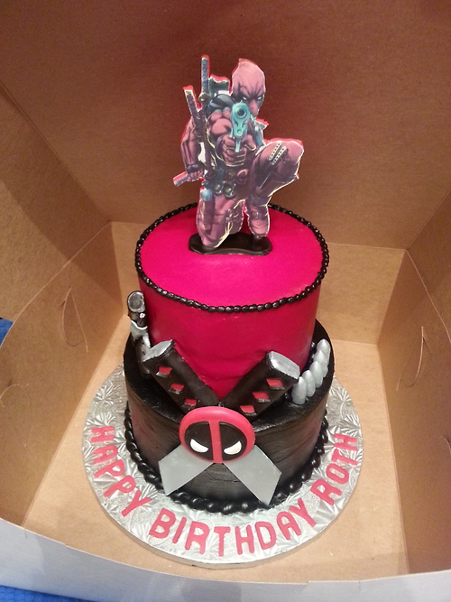 Geek Cake Friday 13 Lucky Deadpool Cakes Kitchen Overlord