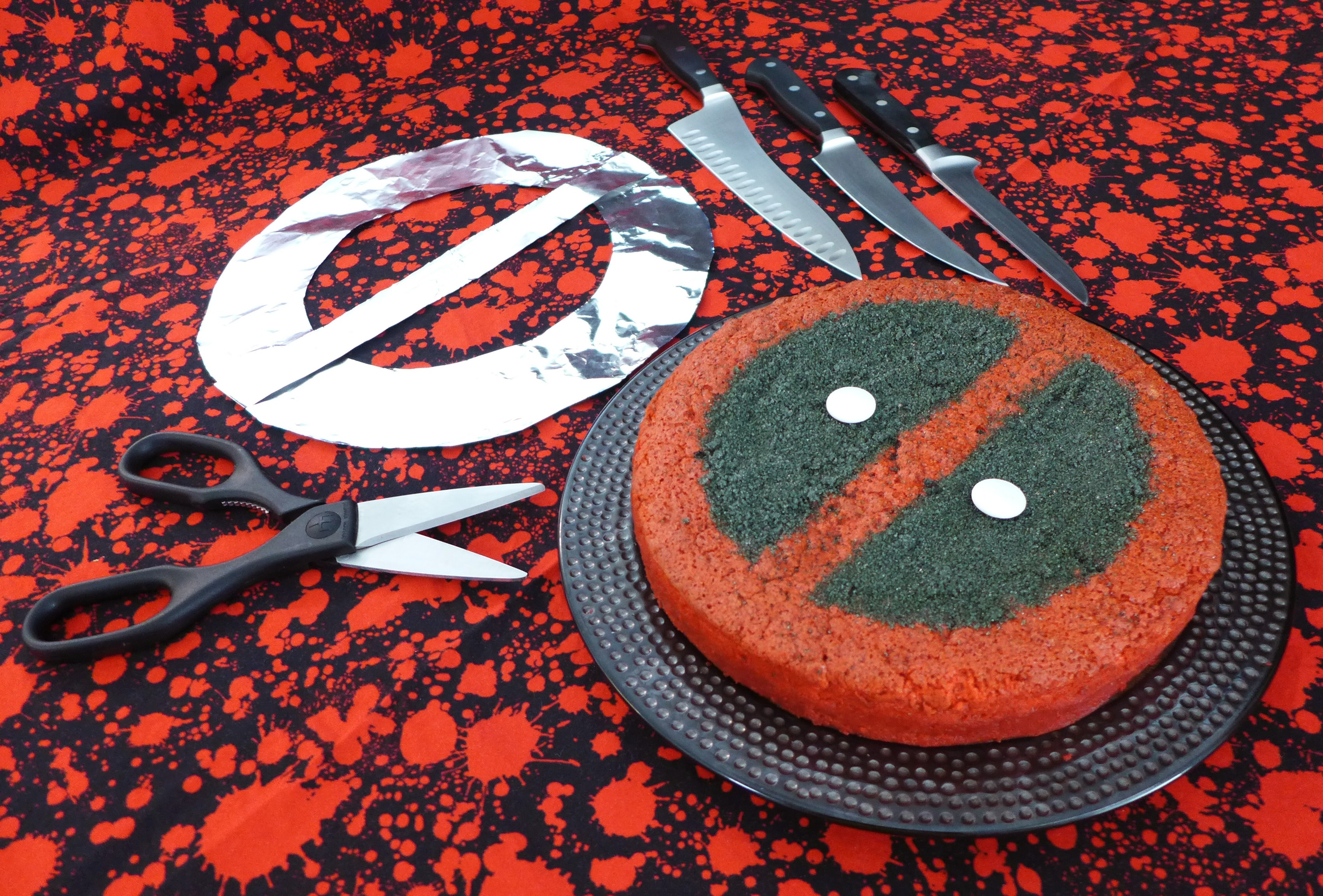 Kitchen Overlord's Deadpool Magic Cake 01