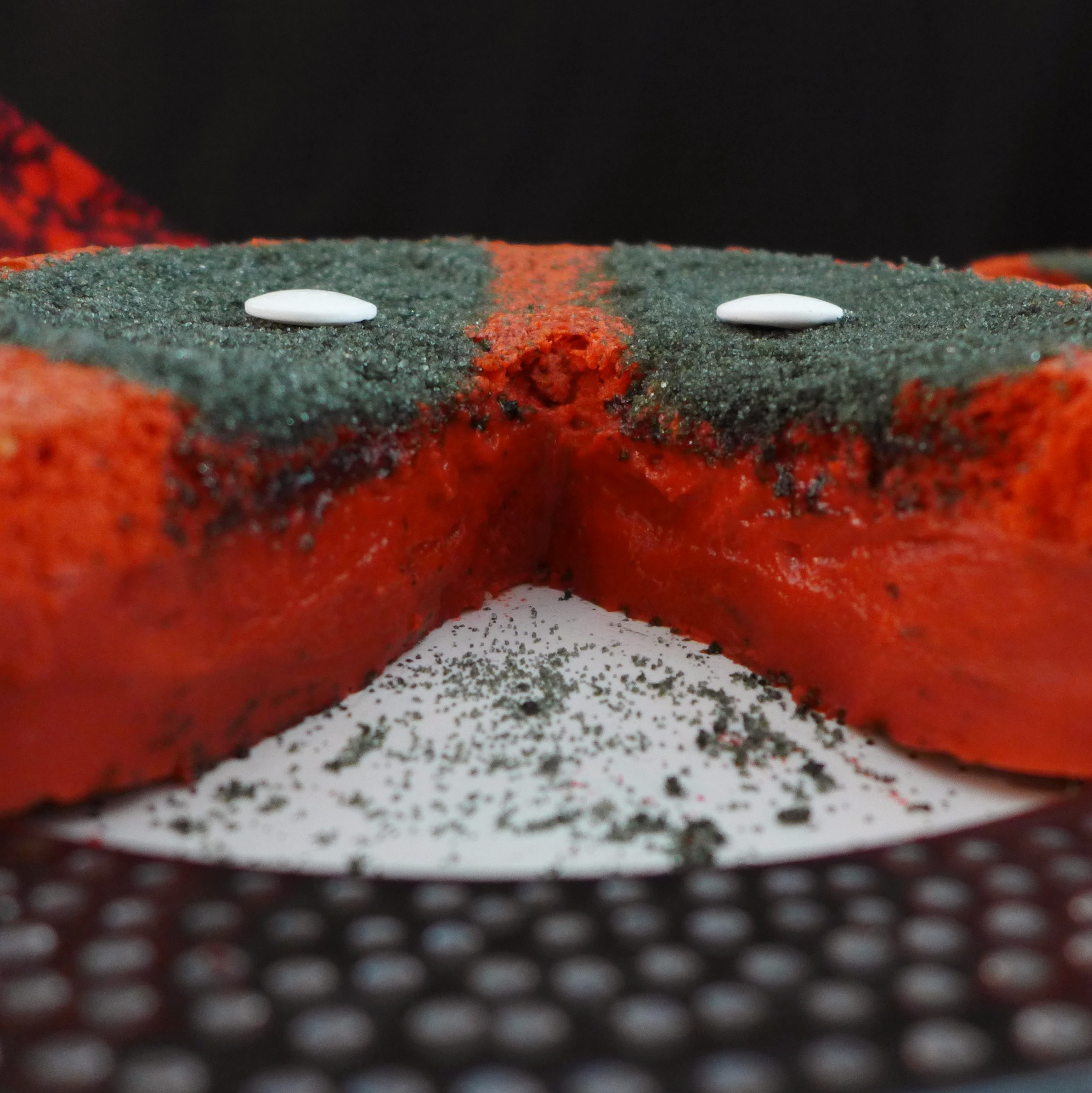 Kitchen Overlord's Deadpool Magic Cake 05