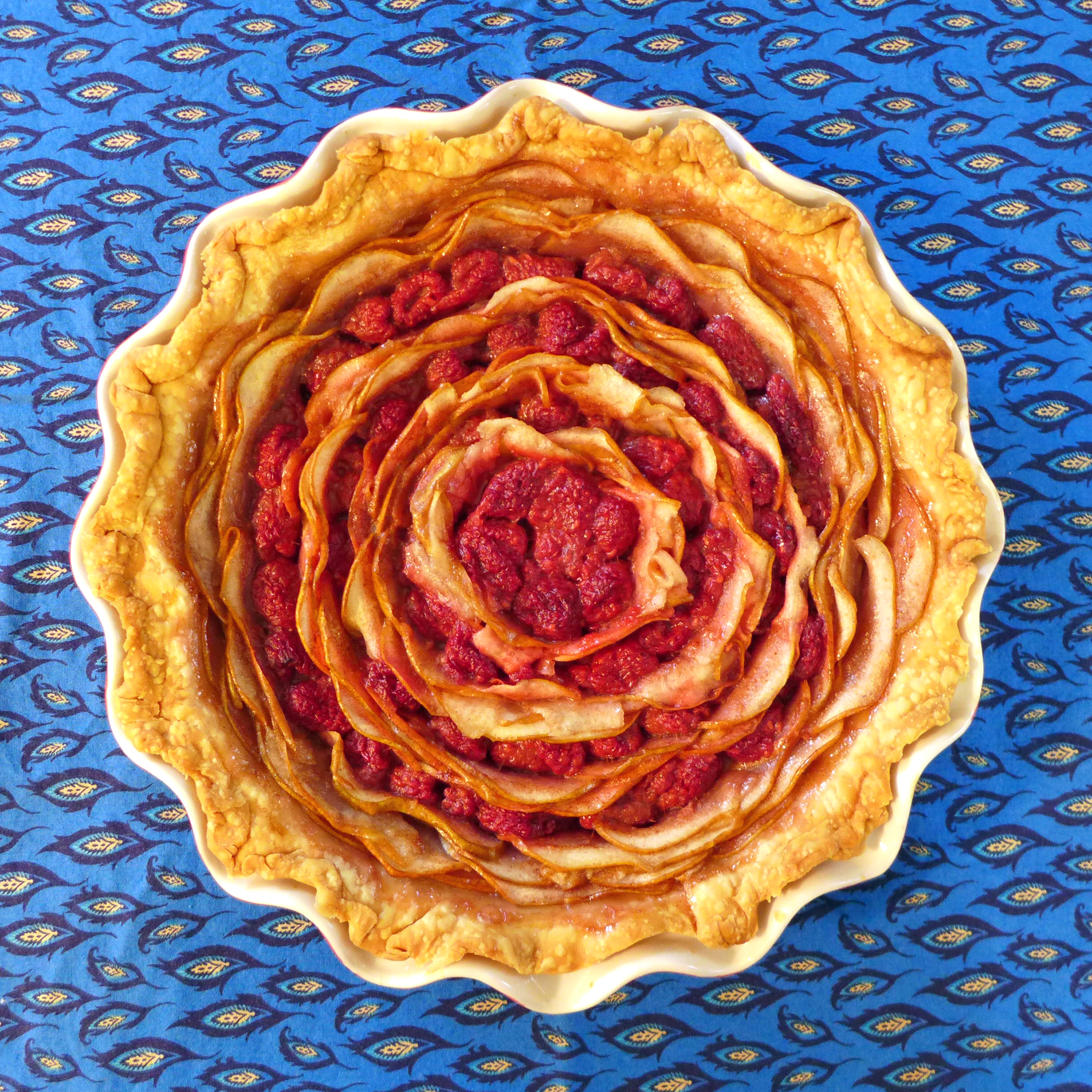 Kitchen Overlord 's Pear and Raspberry Bullseye Pie