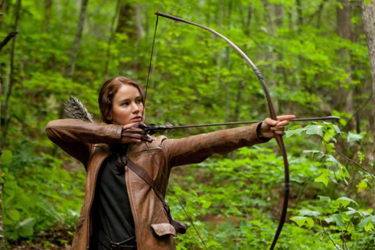 katniss-everdeen-and-bow